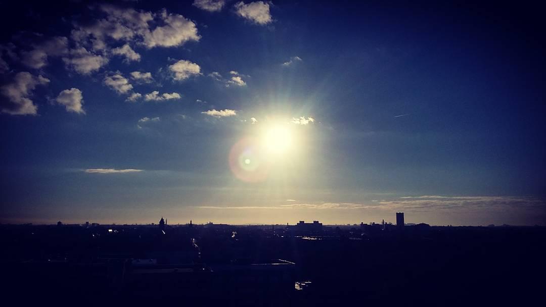 Ronald Kah spielt den Song When The Sun