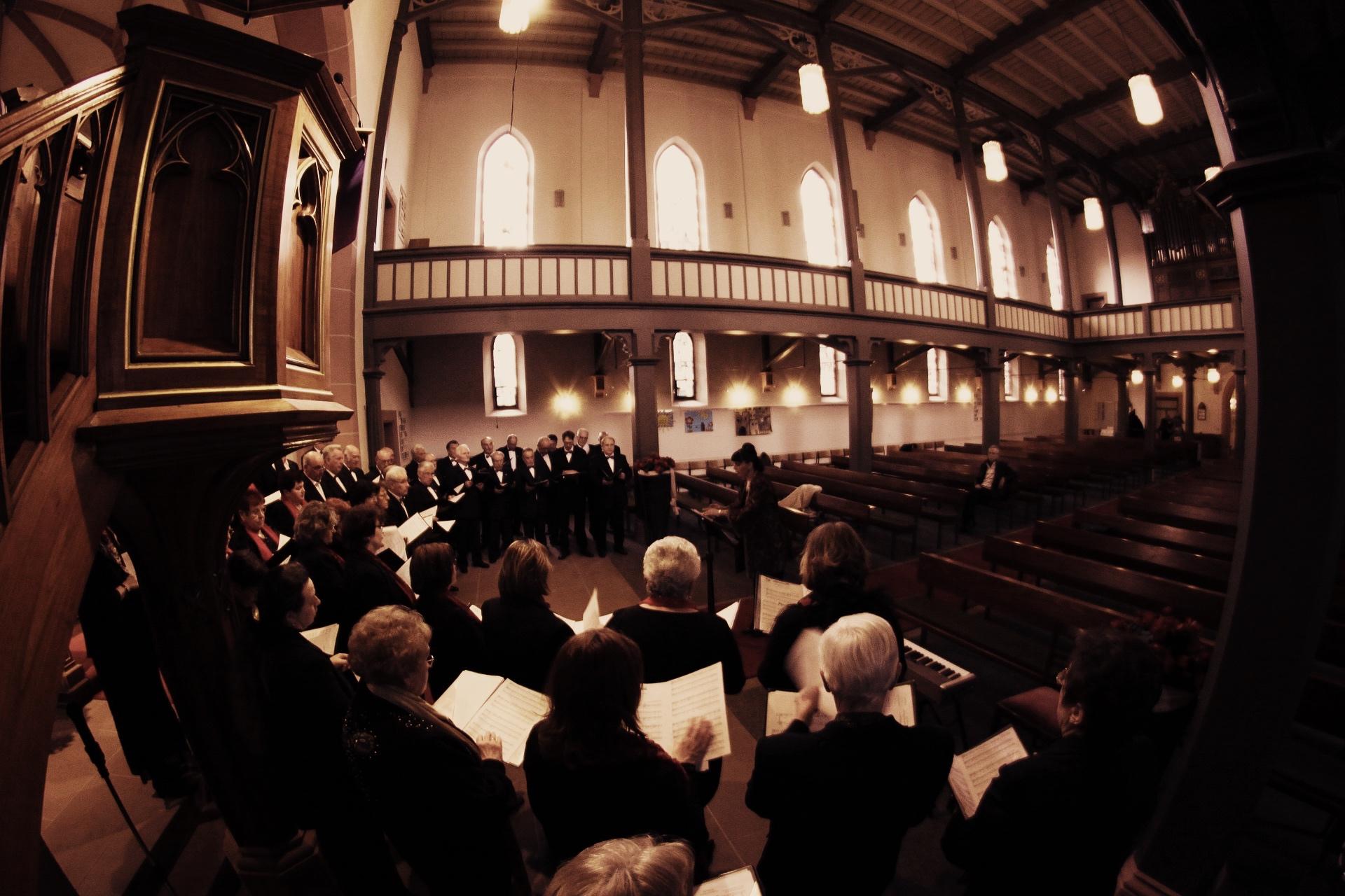Stimmen im Chor